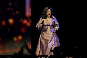 Review: Oprah shares life's light and painful shoes with Rogers Place crowd