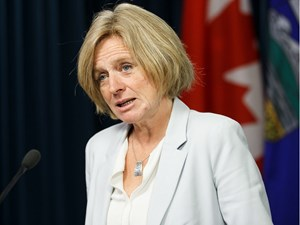 Premier Rachel Notley stands by pipelines despite TransCanada oil spill