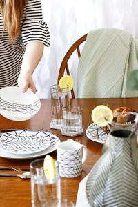 Structube Spring Table Accessories | The Perfect Spring Salad & Drink Recipes