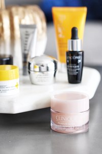 On-The-Go Beauty Tips For Moms: The Best Fall Skincare Products For Dry Skin