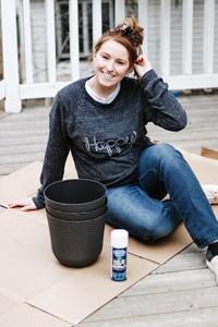 Inexpensive DIY Planter Ideas | Spray Paint Planters White