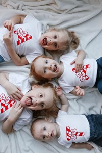 How To Make Matching Christmas Shirts For Kids | Unique Family Photo Ideas!