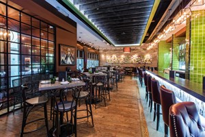 Edmonton Restaurant Review: Hart's Table & Bar