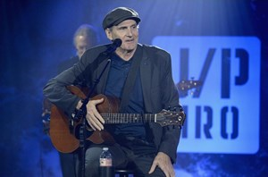 You've got friends coming: James Taylor, Bonnie Raitt to play Rogers Place in April
