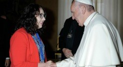 Graduate student meets Pope Francis in summer course at Vatican Observatory
