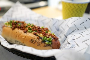 Mayday Dogs: Weiners, Tots, Shakes & Beer, All Courtside