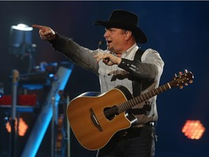 Live blog: Garth Brooks kicks off nine-show run in Edmonton