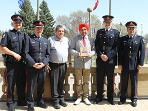 Millwoods Community Patrol receives Alberta Crime Prevention Award