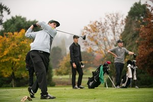 U of A golfers looking to make the cut