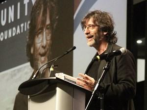 Neil Gaiman remembers Smilin' Stan Lee fondly in Edmonton