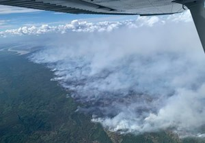 Thousands of residents evacuated in northern Alberta county due to fire threat