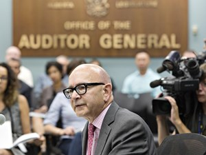 Alberta's auditor general to release health-care recommendations in new report