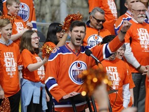 Edmonton mayor wagers tourism brochures, beer with Anaheim mayor ahead of Oilers series