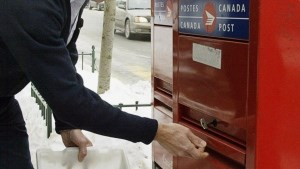 Canada Post flips to $194M profit in 2014