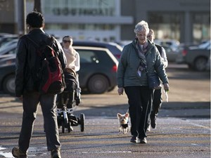 Stuck with a walker: Walk lights near Edmonton seniors centres first to get review
