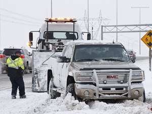 AMA drivers urge caution after collisions with tow trucks on Alberta roads
